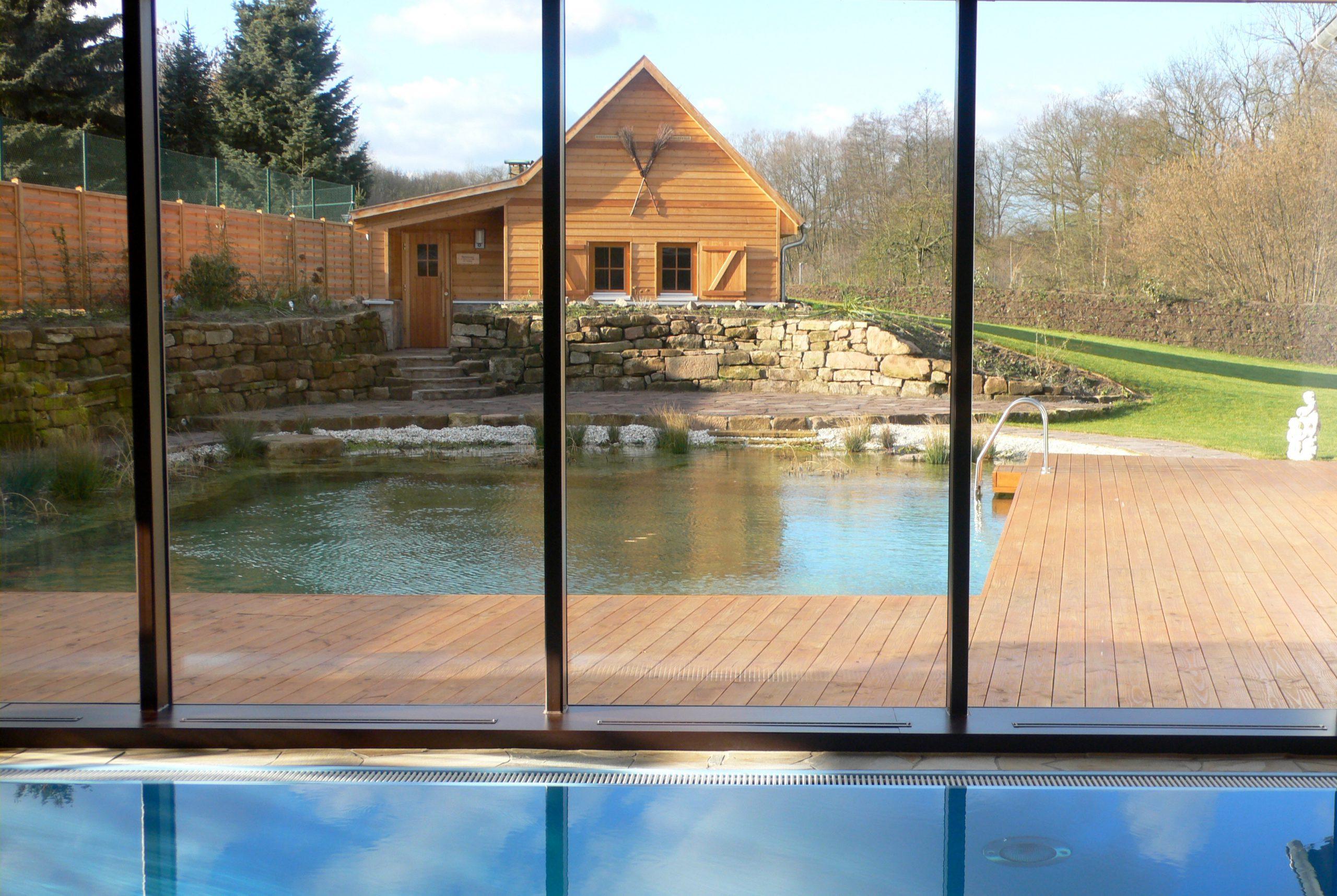 Pool und Bio-Teich